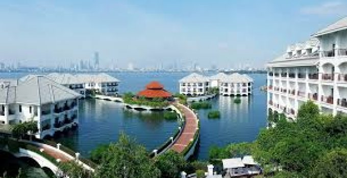 06 Hotels near West Lake, Hanoi with beautiful view, luxury, best service
